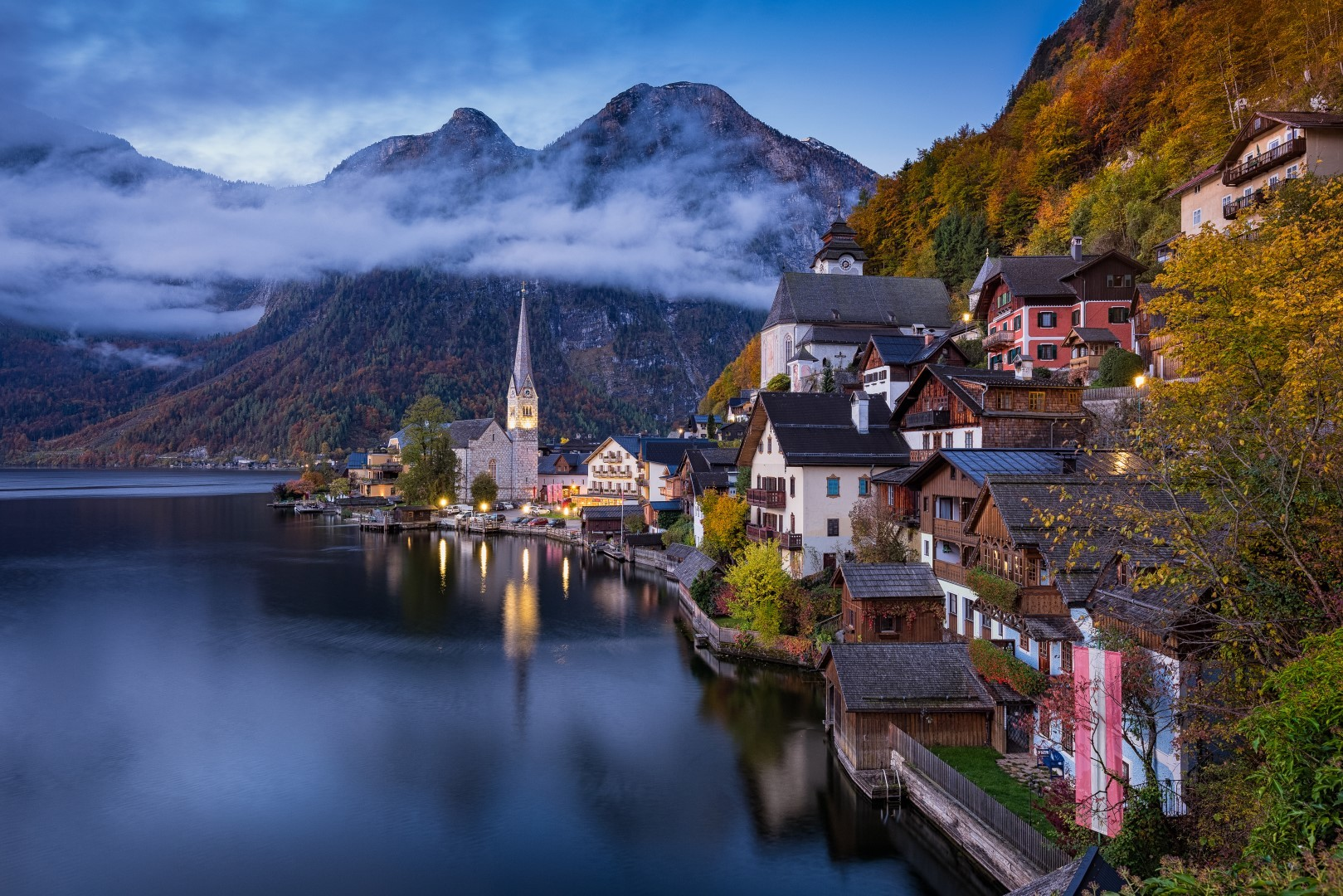 Experience the breathtaking town of Hallstatt like no other place in the Alps. The village, a UNESCO World Heritage site, offers an amazing ambience and hosts the oldest salt mine in the world. ***With Salzburg Drop-off package option. Details see below***
