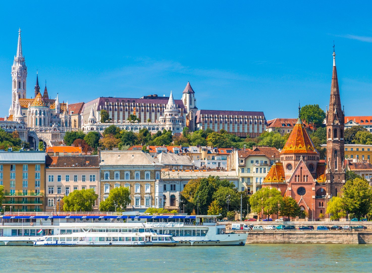Discover Budapest from Vienna within some hours. Local expert guides will guide you through secrets and surprises of the Hungarian capital. ***Guaranteed departure with a minimum of 4 persons***